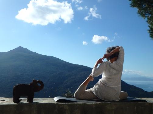 Posture Yoga en Corse