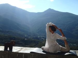 Posture pigeon yoga, corse