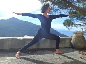 Posture de yoga, cap corse, méditation, bien-être